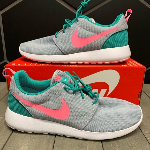 save off 0edd1 c02f5 New Mens Nike Roshe One South Beach Running Shoes